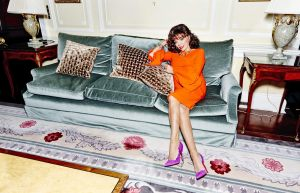 32-rw-Joan-Collins